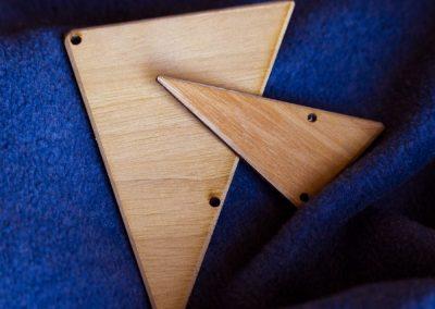 Accessorio legno triangolare