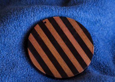 Accessorio legno a righe