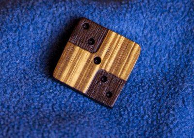 Accessorio legno traforato diagonale
