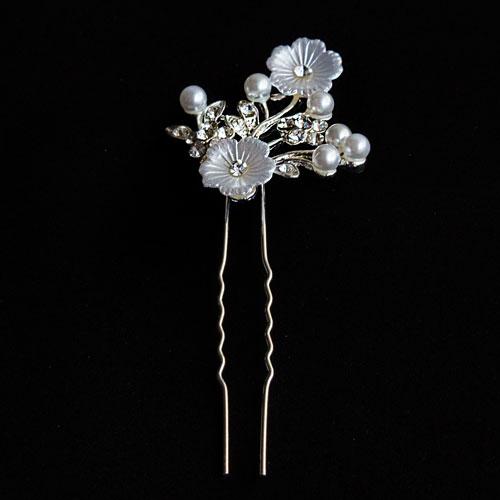 Spillone con fiori e perle